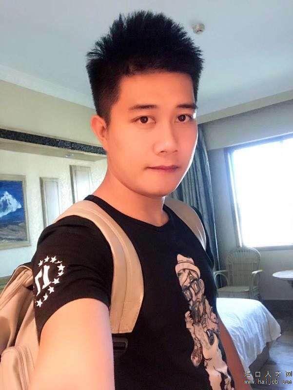 邱荣伟简历照片